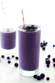 A quick and healthy creamy blueberry smoothie, perfect for breakfast or an afternoon pick me up!