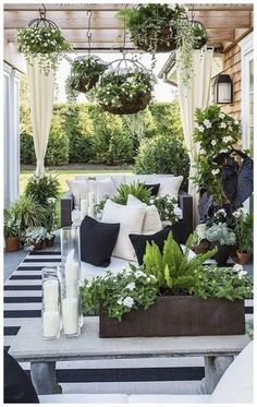 stuning cute black and white decor color ideas ., stuning cute black and white decor color ideas and white There are many items that may finally entire ones backyard, for instance a well used white-colored picket kennel.