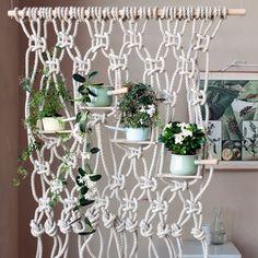 Une cloison florale en macramé / Réaliser une cloison en macramé / DIY Home / Ambiance kinfolk dans son intérieur