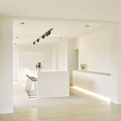VRD - Cuisine - Réalisations in 2020 Kitchen Room Design, Interior Design Living Room, Kitchen Decor, White Kitchen Interior, Kitchen White, Interior Minimalista, Minimalist Kitchen, Cuisines Design, Apartment Kitchen