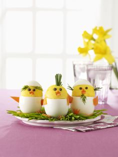 Build the Perfect Easter Menu With These Festive Recipes Deviled Egg Chicks: These deviled egg chicks are almost too adorable to eat! Click through to find other easy Easter recipes for brunch, dinner, dessert, and more. Chick Deviled Eggs Recipe, Easter Deviled Eggs, Easy Easter Recipes, Easy Easter Crafts, Easter Dinner, Easter Brunch, Easter Food, Chicke Recipes, Easter Appetizers