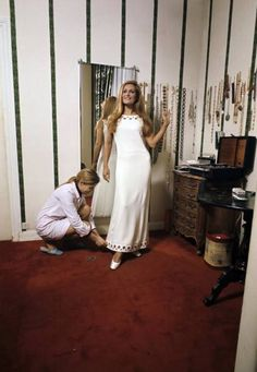 Dancing In The Kitchen, Dalida, Big And Rich, Brigitte Bardot, Celebs, Celebrities, Logs, White Dress, Artists