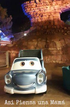 Atracción de Cars. Disney Studios. Disneyland Paris en invierno. Viajes con niños.