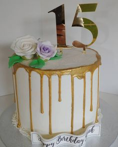 Gold Drip 15th #gold #drip #golddrip #roses #15th #15 #cake #dlish Birthday Cake Girls, Birthday Cakes, Gold Drip, Girl Cakes, Roses, Desserts, Food, Meal, Anniversary Cakes