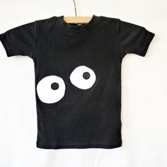 Make this with glow in the dark fabric paint.  How cute would that be?