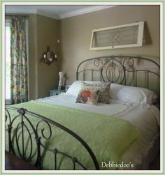 I'm pinning this for the bed frame! I really love the look:-)