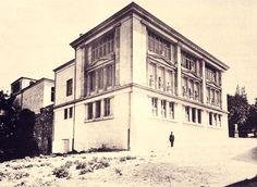 Sanayi-i Nefise Mektebi'nin ilk binası. Günümüzde İstanbul Arkeoloji Müzeleri'ne bağlı olan Eski Şark Eserleri Müzesi. Eminönü (Gülhane), İstanbul. Zeki Sönmez arşivi