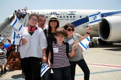 A Jewish family from France makes aliyah (immigration to Israel).