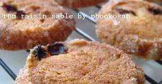 ラムレーズンがたっぷり♪ザクザクしたサブレにグラニュー糖をまぶしガリガリ食感をプラスしたハードタイプのクッキーです♪