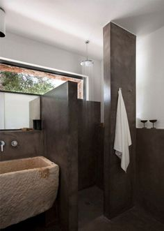 Sala da bagno, lavabo e vano doccia