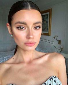 51 perfect cat eye makeup ideas to look sexy 27 Glam Makeup, Skin Makeup, Makeup Inspo, Bridal Makeup, Wedding Makeup, Makeup Inspiration, Makeup Ideas, Ombré Hair, Face Hair