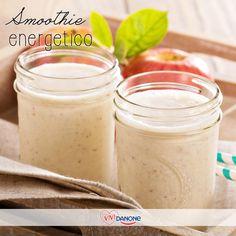 Smoothie energetico Ingredienti: 1 mela piccola, 125 g di yogurt, 1 banana piccola, 6 cubetti di ghiaccio. Preparazione Lava la mele, sbuccia, elimina il torsolo e tagliala a cubetti. Sbuccia la banana e tagliala a rondelle. Se non utilizzi subito la frutta ricordati di irrorare con il limone per evitare che annerisca subito. Metti la frutta nel mixer aggiungendo lo yogurt e il ghiaccio. Frulla e servi.