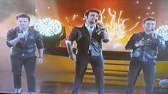 Il Volo demostrando su calidad vocal en los #LatinAMAs con su tema #GrandeAmore