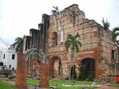 República Dominicana. RUINAS DE LA IGLESIA Y HOSPITAL DE SAN NICOLÁS DE BARI. La nave central era dedicada al culto religioso, mientras que las naves laterales y la parte posterior del crucero estaban destinadas a salas de enfermos.