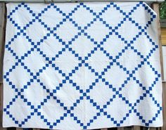 I might make this quilt.  It's just like the red one I made