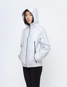 Aeolus Field - TYVEK® Jacket Light Gray