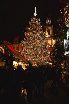 Christmas market in Prague by Adelgundis on 500px