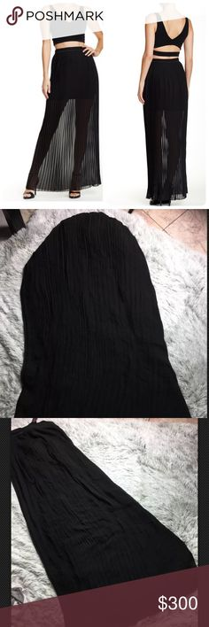 Alice and Olivia Pleated Waist Maxi Skirt Brand new! Slightly scuffed from one area. And the Pleated parts need a little bit of re-ironing! Alice & Olivia Skirts Maxi