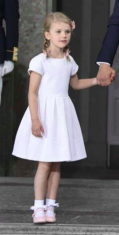 HRH Princess Estelle of Sweden - Te Deum for HRH Crown Princess Victoria at the Royal Palace in Stockholm, Jul 14 2017 Victoria Prince, Princess Victoria Of Sweden, Crown Princess Victoria, Swedish Royalty, Stockholm, Royal Babies, Stylish Kids, Baby Girl Fashion, Nice Dresses