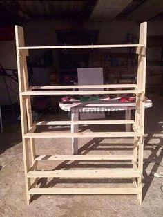 Muebles de Palets: Estantería o mostrador realizado con palets paso p...