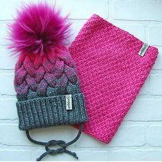 Так шикарно, что и слов не подберу @krasivospicami . #вяжутнетолькобабушки #вяжусама #вяжушапки #меховыепомпоны #пряжамеринос #помпонывмоскве Knitting Charts, Baby Knitting, Knitting Patterns, Knit Baby Dress, Knit Baby Booties, Crochet Girls, Knit Or Crochet, Crazy Hats, Tapestry Crochet