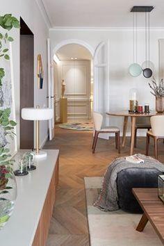 Vivienda Aragó | The Room Studio Snowy Forest, Living Spaces, Living Room, Brown Shades, Design Studio, Interiores Design, Lucca, Oversized Mirror, Barcelona
