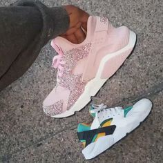 but here's a video of pair of Custom Matte Shell Pink & Swarovski Crystal Nike Huaraches with Custom Swarovski Crystal tip Pink Shoe Laces for Text to get your shoes customized today! Puma Tennis Shoes, All Nike Shoes, Adidas Shoes Women, Hype Shoes, Nike Huarache Women, Nike Shoes Huarache, Huaraches Shoes, Latest Sneakers, Sneakers Fashion