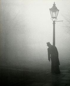 """""""Drunk gentleman clinging to a lamp post in the early morning fog, London, 1934 (Photo: Bill Brandt)"""" Victorian London, Victorian Street, Bill Brandt, Street Photography, Art Photography, Famous Photography, Fallen London, Old London, Nocturne"""