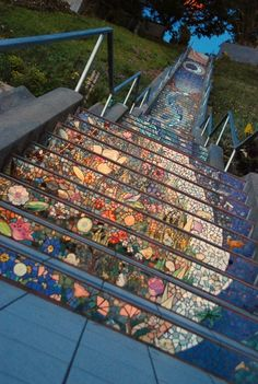 Mosaic stairs 'Tiled Steps' in San Francisco at the intersection of Ave. and Moraga.Mosaic stairs by Colette Crutcher. Stairway To Heaven, Mosaic Diy, Mosaic Glass, Stained Glass, Glass Art, Gaudi Mosaic, Mosaic Mirrors, Leaded Glass, Mosaic Wall