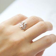 vine leaf ring in silver