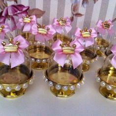 Bom dia ☀️☕️ Mini cupulas personalizadas prontos para viajar ✈️e decorar…                                                                                                                                                                                 Mais