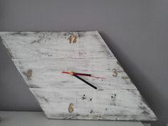 Zegar prosty, stare deski dostały nowy żywot www.masiukiewicz.com