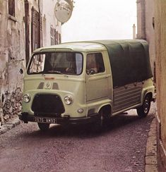 que2 Mini Trucks, Cars And Motorcycles, 4x4, Conduit, Vans, Camping, France, Classic, Passion