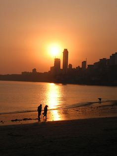 #Mumbai #Tourism #Sightseeing #Travel #Holiday #Hotel #Travel #History #Culture #Entertainment #Relax #Fun- Chowpatty #Beach