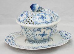 Terrine Porzellan, Manufaktur Meissen, ab 1934, handgemalter Zwiebelmusterdekor, 2-teilig, Schale: 2 — Porzellan