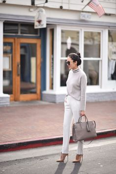 Pin by caroline crump on clothes in 2019 moda femenina, moda, ropa formal. Smart Casual Outfit, Business Casual Outfits, Office Outfits, Work Outfits, Business Dresses, Elegant Outfit, Womens Fashion For Work, Work Fashion, Office Fashion