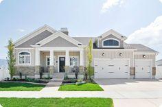 Craftsman style exterior home design