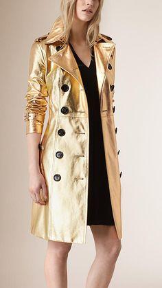 Dorado Trench coat en piel metalizada - Imagen 1
