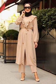 Muslim Dress, Hijab Dress, Stylish Kurtis Design, The Dress, Hijab Fashion, Nevada, Shawl, Evening Dresses, Suits