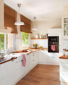 Modular kitchen design becomes a style affirmation of new kitchen design and contemporary design for modern house. Here we give you some best ideas! Kitchen Ikea, New Kitchen, Kitchen Decor, Kitchen Sink, Kitchen White, Kitchen Shelves, Warm Kitchen, Kitchen Windows, Kitchen Linens