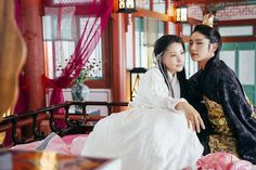 4th King Gwangjong with Queen Mother (Lee Joon Gi with Park Ji Young)
