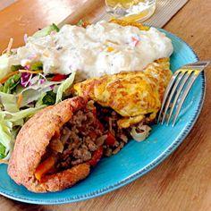 作り置きのピタパンと肉味噌で。 大満足の朝食! - 83件のもぐもぐ - おからピタパンに肉味噌詰め。オムレツに今日のタルタル風ソース☆ by ChallengerSH27