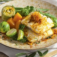 Codfish Vegetable Casserole Ingredients: cup chopped onion 2 cup white sauce teaspoon paprika 1 cup corn kernels 1 tablespoon butter teaspoon p Healthy Casserole Recipes, Easy Healthy Recipes, Easy Meals, Vegetable Casserole, Corn Kernel, Cod Fish, Deli, Chicken, Vegetables