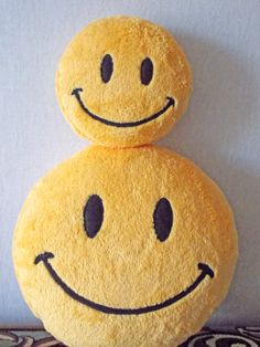 home staging childrens pillows for nursery room interior decor plush pillows smiley_______ #smile #smiley #smileyface #smileypillow #smileyfacepillow #pillow #yellowpillow #roundyellowpillow #yellowhomestaging #homestaging #happyhomestaging #homestager #goodsforhomestaging #homedecor #childrensroomdecor #childrenspillow #kidspillow #geekgift #geekerypillow #geekypillow
