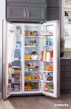 Take charge of your holiday season with the enhanced storage capacity of Samsung's Food ShowCase Refrigerator. This fridge offers more space inside with room for up to 30 bags of groceries, and an adjustable 3-way shelving system accommodates all your storage needs.