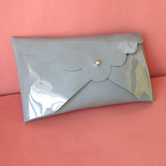 Scalloped clutch with Step-by-Step instructions