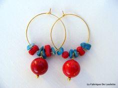 Créoles Dorées Perles de Corail Rouge et Pierres Bleues : Boucles d'oreille par la-fabrique-de-loulette
