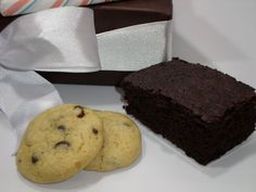 Send some home baked goods to your loved ones in Israel this Purim.  Moist and delicious brownies, soft and chewy chocolate chip cookies and a brightly wrapped full sized milk chocolate bar; what can be better?   Contains: 12 large and rich brownie squares 15 luscious chocolate chip cookies  full-sized milk chocolate bar