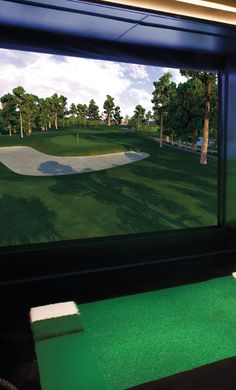 State-of-the-art ball tracking, 86 championship courses and highly complex object collision models make this unquestionably the most accurate and realistic indoor golfing experience available.