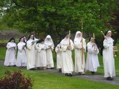 dominican nuns in procession